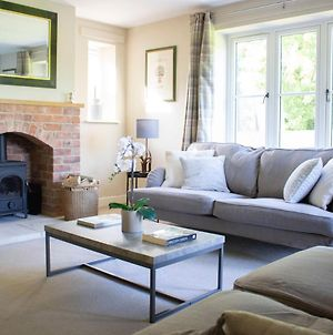 Stunning 4 Bedroom Country House photos Exterior