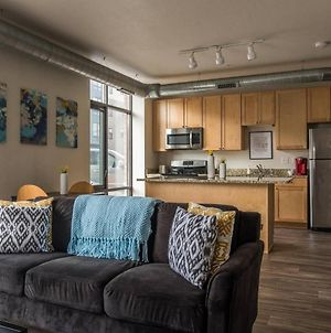 1 Bedroom Apt Near Downtown With Laundry By Frontdesk photos Exterior