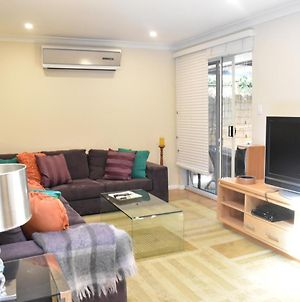 Modern 2 Bedroom Unit Close To Cbd photos Exterior