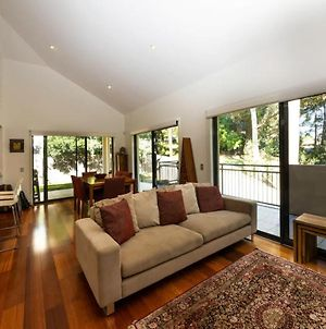Luxurious 3 Bedroom Home In Indooroopilly Close To Cbd photos Exterior