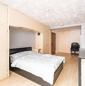 Spacious Private Room Near Gunwharf Quays photos Exterior