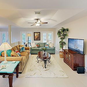 New Listing! Luxe Getaway W/ Sunroom, Near Beach Home photos Exterior