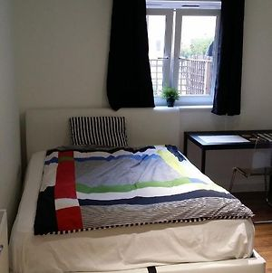 En-Suite Room, 1Gb Fast Wi-Fi, Monitor, Printer, Kingsize Bed, Close Sainsbury'S &Wandle Park photos Exterior