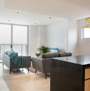 Modern 2 Bedroom Apartment In The Heart Of Burwood photos Exterior