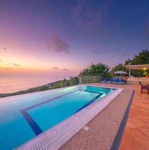 Defaranata Villa Sleeps 6 With Pool And Air Con photos Exterior