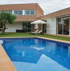 Calafell Villa Sleeps 8 With Pool And Free Wifi photos Exterior