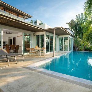 Tropical Pool Villa With Private Rooftop photos Exterior