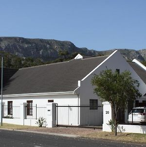 Hermanus Dorpshuys Guesthouse photos Exterior