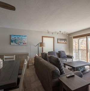 2Br 3Ba- View Of Mt Crested Butte & Fireplace Condo photos Exterior
