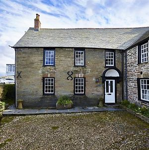 Padstow Villa Sleeps 10 With Wifi photos Exterior
