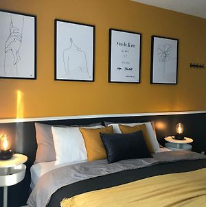 Cozy Room Olympic Stadium & Downtown Montreal #3 photos Exterior