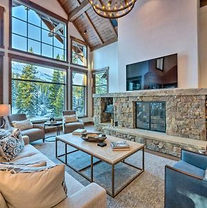 Custom Ski-In And Out Chalet Hot Tub And Wet Bars! photos Exterior