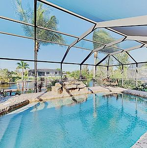 Upscale Canal-Side Home W/ Lanai, Pool & Hot Tub! Home photos Exterior