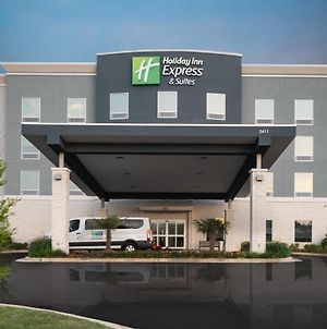 Holiday Inn Express & Suites Memphis Arpt Elvis Presley Blv, An Ihg Hotel photos Exterior