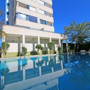 Calpe Apartment Sleeps 7 With Pool Air Con And Wifi photos Exterior
