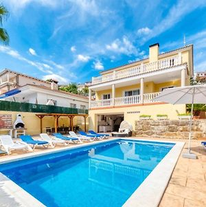 Lloret De Mar Villa Sleeps 18 With Pool And Wifi photos Exterior