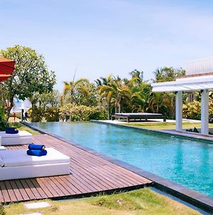 Fabulous Beachfront Villa 5 Bedroom Canggu W Staff photos Exterior