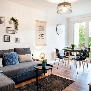 Chic & Cosy Appartement Avec Terrasse, Parking Privatif photos Exterior