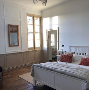 Beautifully Renovated Rooms On Place New York photos Exterior