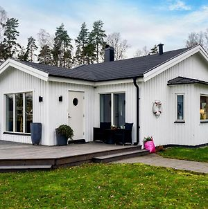 Awesome Home In Hokerum W/ Sauna And 4 Bedrooms photos Exterior