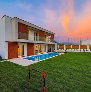Holiday Homes In Kastel Gomilica 38761 photos Exterior