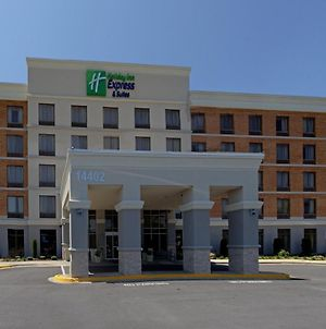 Holiday Inn Express & Suites Laurel Lakes, An Ihg Hotel photos Exterior
