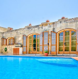 Zebbug Villa Sleeps 6 With Pool And Wifi photos Exterior