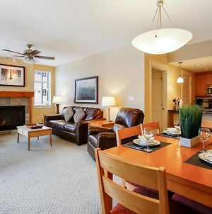Base Village Ski In-Out Luxury Condo #3425 Huge Hot Tub & Great Views - Free Activities & Equipment Rentals Daily photos Exterior