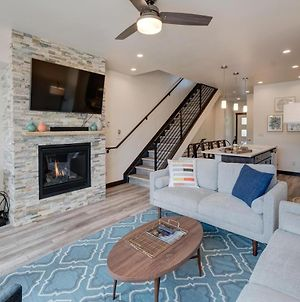 Downtown Luxury Villa #280 Near Resort With Rooftop Hot Tub - Free Activities Daily, Wifi & Shuttle photos Exterior