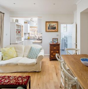 Homely 2-Bed Riverside Flat W/Patio In Hammersmith photos Exterior