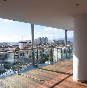 Luxury 2 Bedroom Apartment In Ocean Village With Swimming Pool. photos Exterior