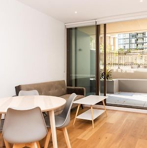 Modern Apartment In Darling Harbour photos Exterior