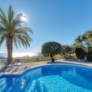 Lloret De Mar Villa Sleeps 5 Pool Wifi photos Exterior