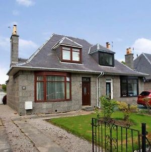 Beautiful Holiday House For Rent At Cromwell Road, Aberdeen photos Exterior