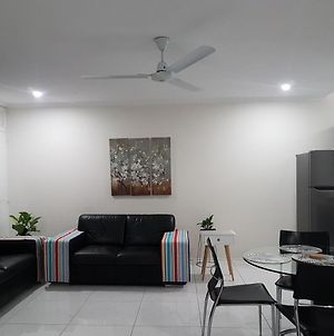 Cairns Prime Location Esplanade Self Contained Apartment With Wifi photos Exterior