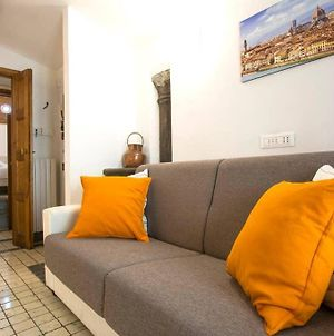 Recently Renovated Penthouse Very Close To Uffizi photos Exterior