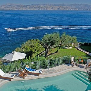 Kassiopi Villa Sleeps 10 Pool Wifi photos Exterior