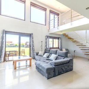 House With 4 Bedrooms In Sanjenjo With Shared Pool Enclosed Garden And Wifi photos Exterior