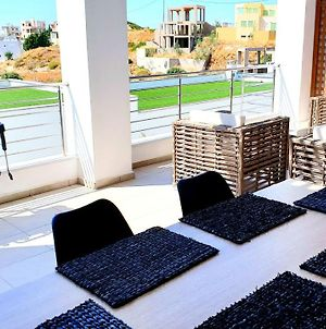 Luxurious Brand New Flat With Private Beach photos Exterior