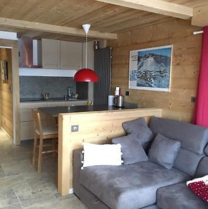 Apartment With One Bedroom In Huez With Wonderful Mountain View And Furnished Balcony 20 M From The Slopes photos Exterior