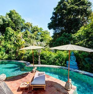 Secluded Wooden Villa 3 Bedroom Canggu W Staff photos Exterior