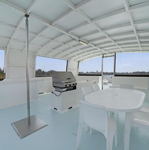 Coomera Houseboat Holidays photos Exterior