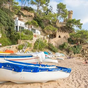 Lloret De Mar Villa Sleeps 6 photos Exterior