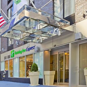 Holiday Inn Express Wall Street photos Exterior