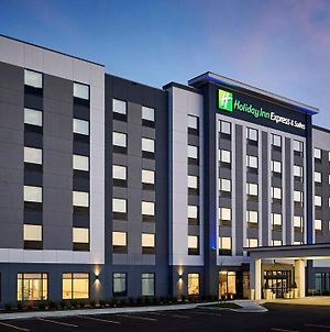 Holiday Inn Express And Suites Brantford photos Exterior