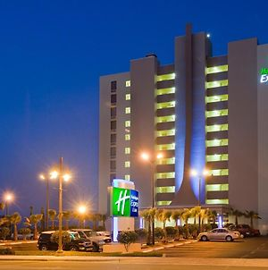 Holiday Inn Express & Suites Oceanfront Daytona Beach Shores photos Exterior