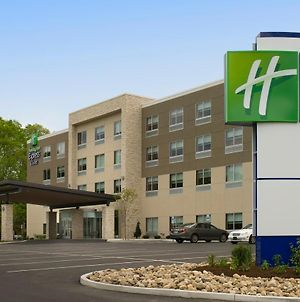 Holiday Inn Express & Suites Altoona photos Exterior
