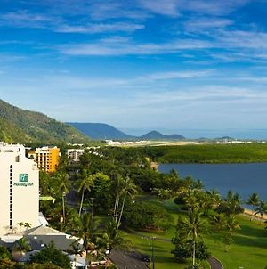 Holiday Inn Cairns Harbourside, An Ihg Hotel photos Exterior