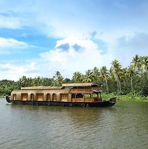 Rudra Houseboats photos Exterior