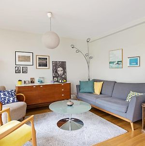 Bright And Modern Apt With Patio In Paris 18Th! photos Exterior